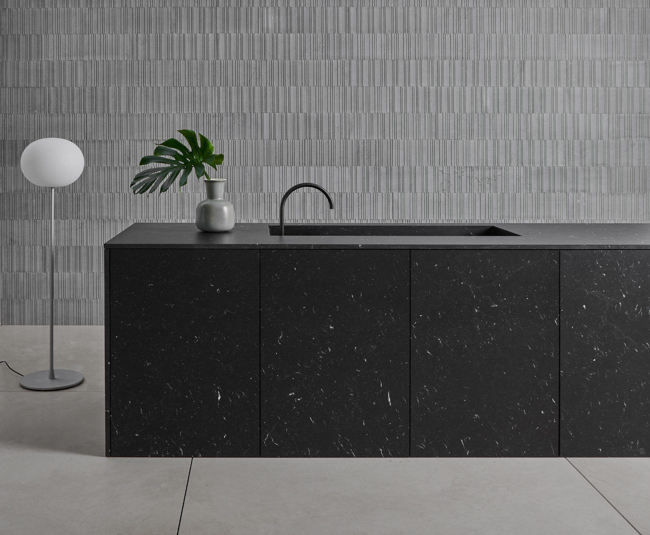 Isola in marmo nero marchinia